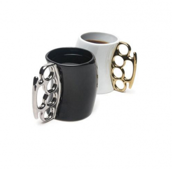 Fisticups – Brass Knuckle Mugs