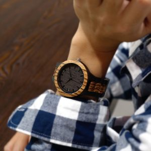 unoandco-wooden-watch